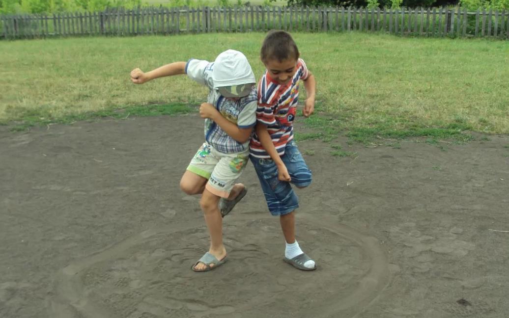 Игра для мальчиков Петушки. Забава для детей и подростков