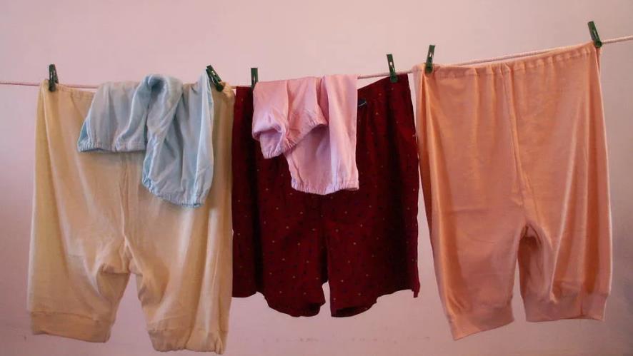 Смешная детская игра Бабкины панталоны
