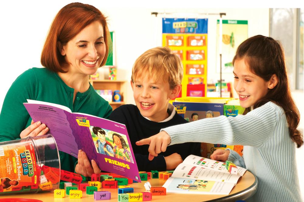 Английский язык для детей в стихах. Первые слова для малышей
