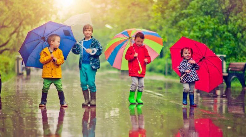 Игра «Я в домике!» или «Дождь идет» — чем занять детей на каникулах, в детском саду, лагере